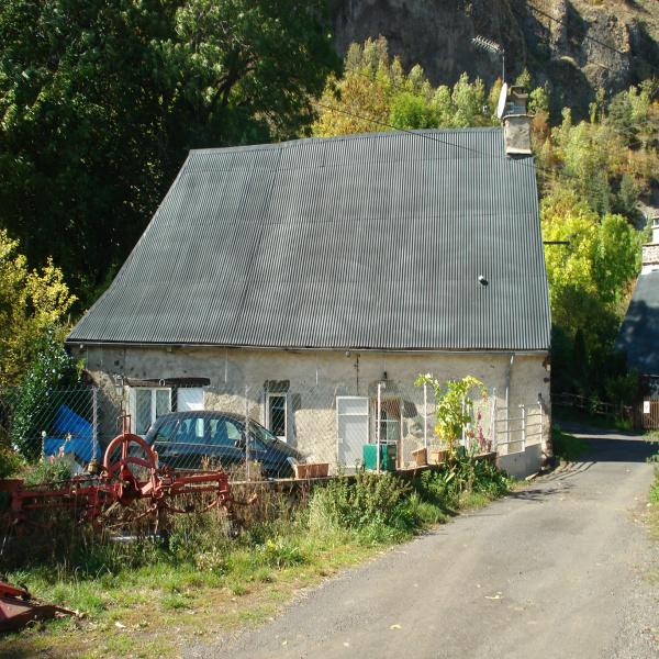 Offres de vente Maison de village Saint-Hippolyte 15400