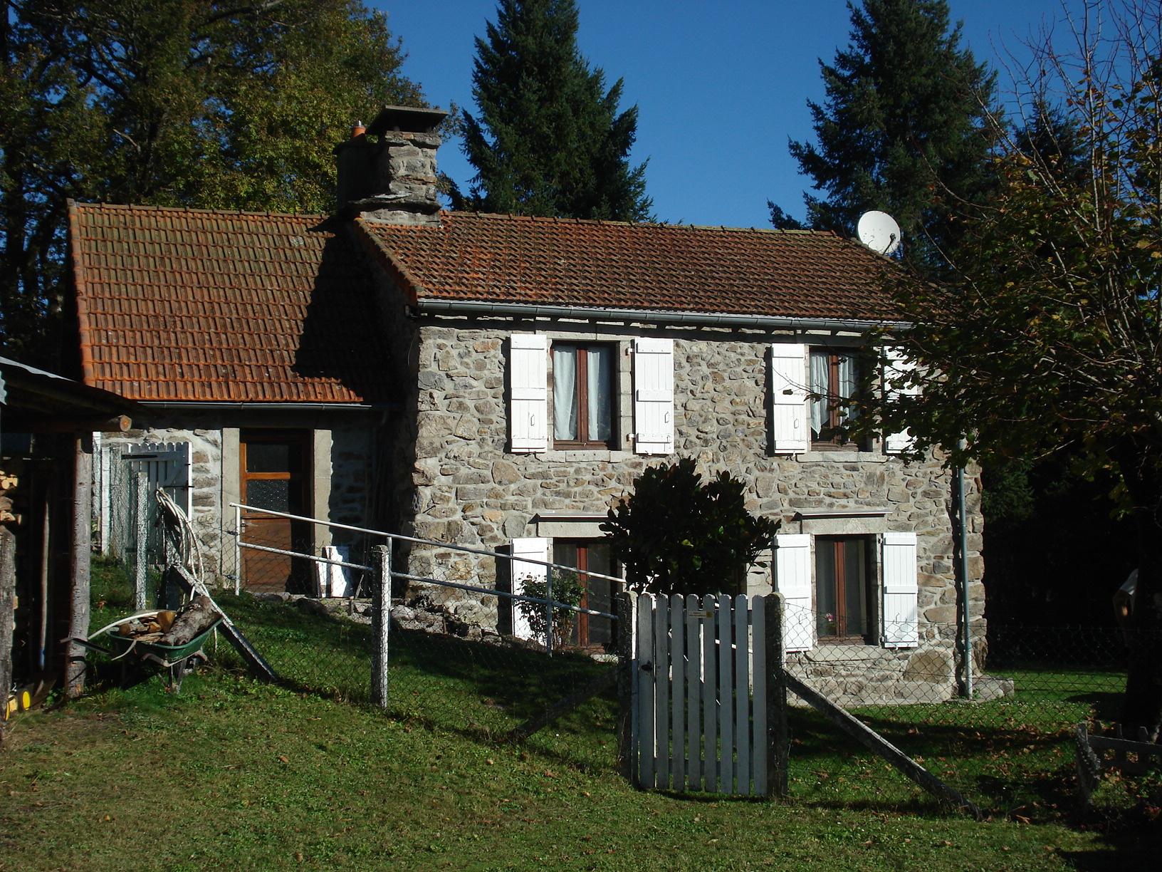 Offres de location Maison de village Antignac 15240