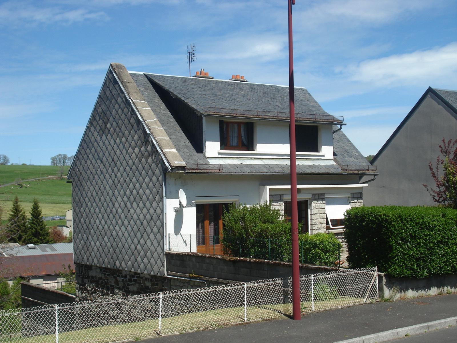 Vente riom es montagnes maison d 39 habitation for Vente habitation